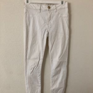 American Eagle Jegging fit White Jeans